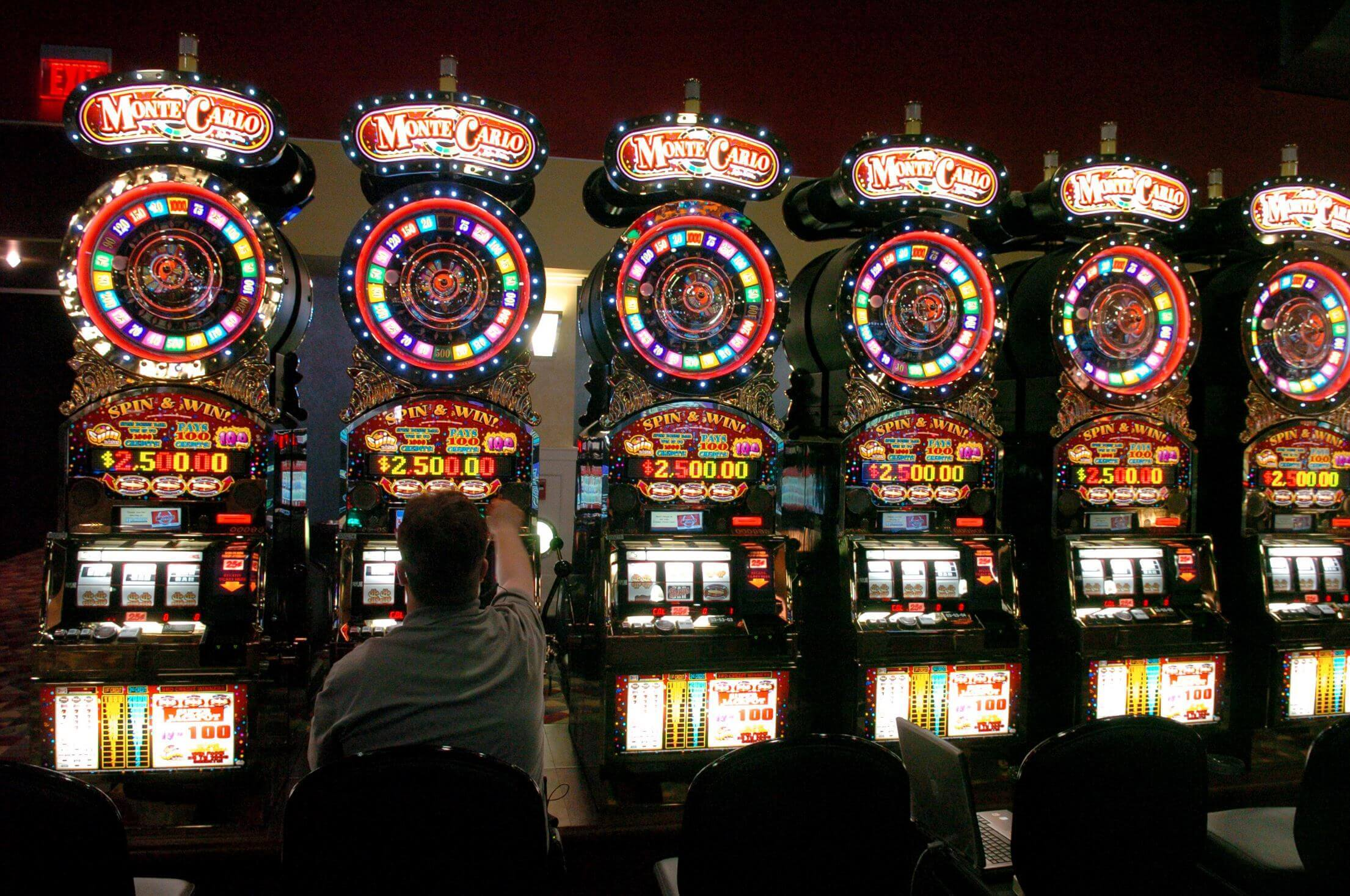 Why m.scr888.com Slot Game Let You Win First?